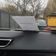 Autós árjelző szélvédőre / műszerfalra