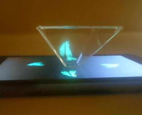 Egyedi hologram kivetítő