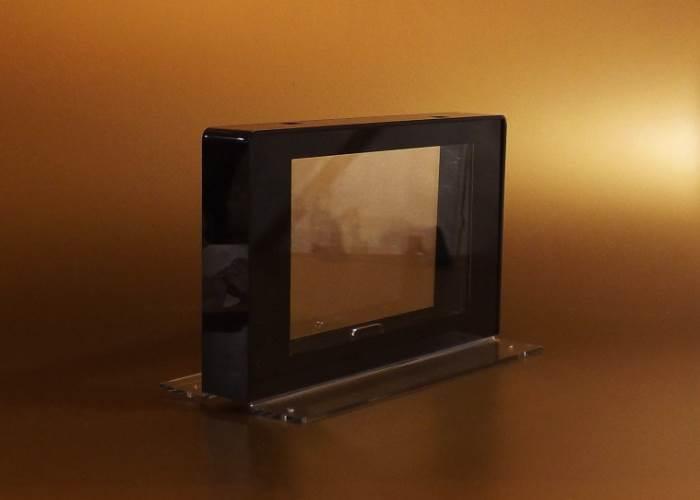 Egyedi gyártású vitrin, display