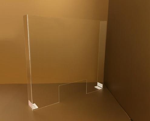 Hajlított plexi védőfal